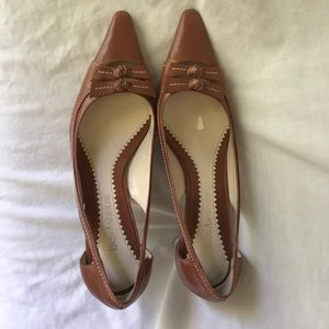 Enzo Angiolini brown leather pointed toe heels
